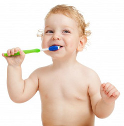 baby-brush-teeth